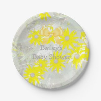Pretty Gray and Yellow Daisy Paper Plates