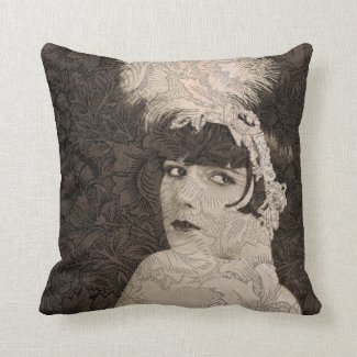 Lulu in Hollywood Throw Pillow