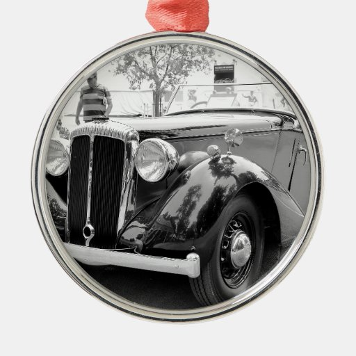 Classic Cars At Saratoga Round Metal Christmas Ornament