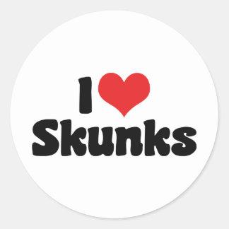 i_love_skunks_stickers-rbf8dc71335874615