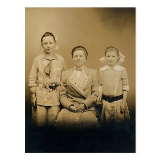 Mother Lena & daughters Severa & Catherine LAHR