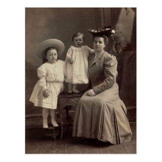 Severa, Catherine & Lena LAHR, circa 1900