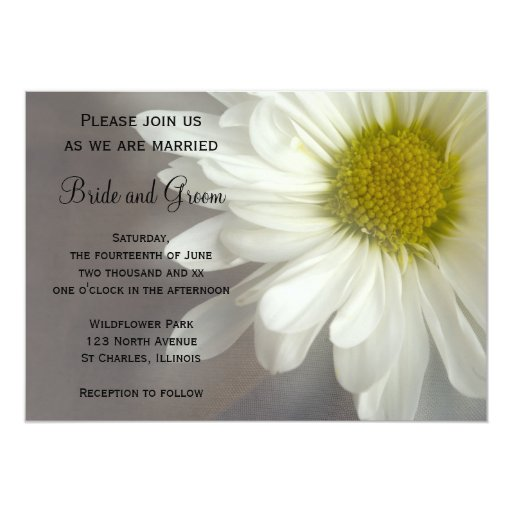 "White Daisy Wedding Invitation: Soft White Daisy Wedding Invitation 5"" X 7"" Invitation"