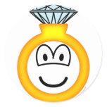 Diamond ring emoticon : Emoticons @ emofaces.com
