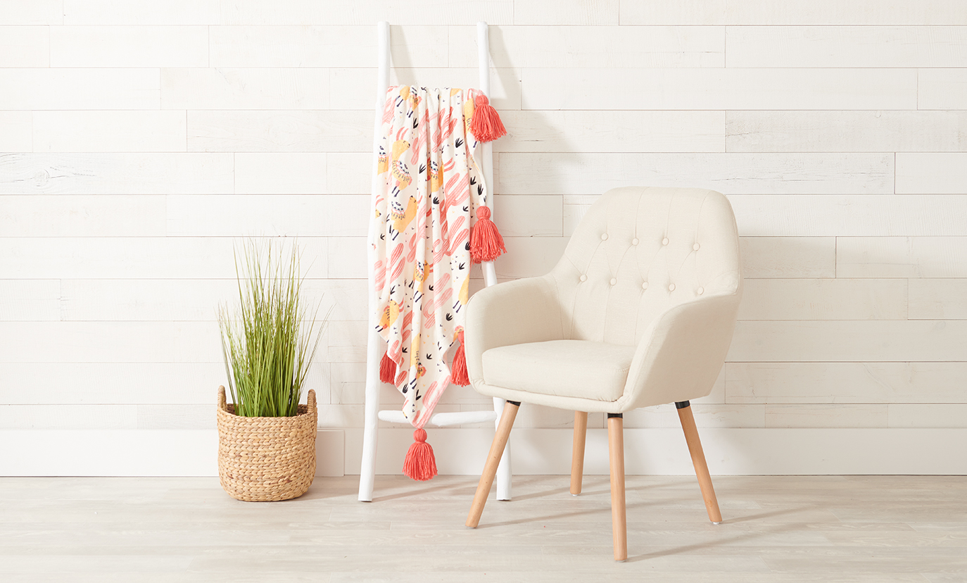 DIY- How to Make a Tassel Blanket